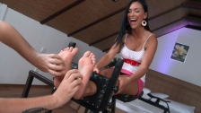 Barefoot tickling - Victoria Sweet